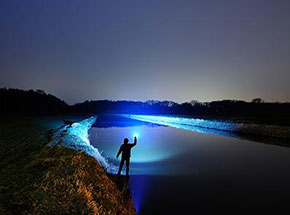 Пошукові ліхтарі